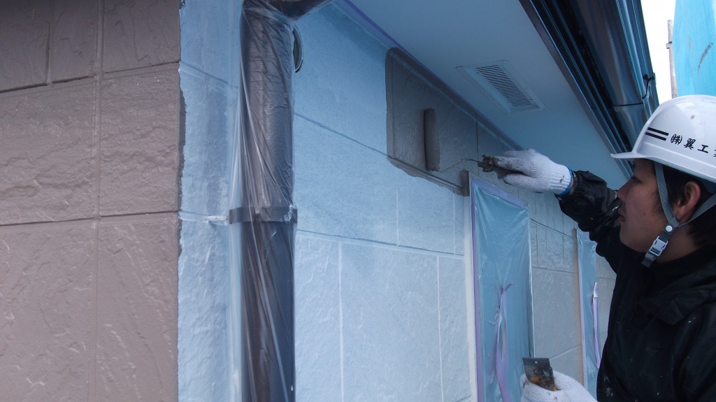 横浜市泉区H様邸 外壁中塗り施工